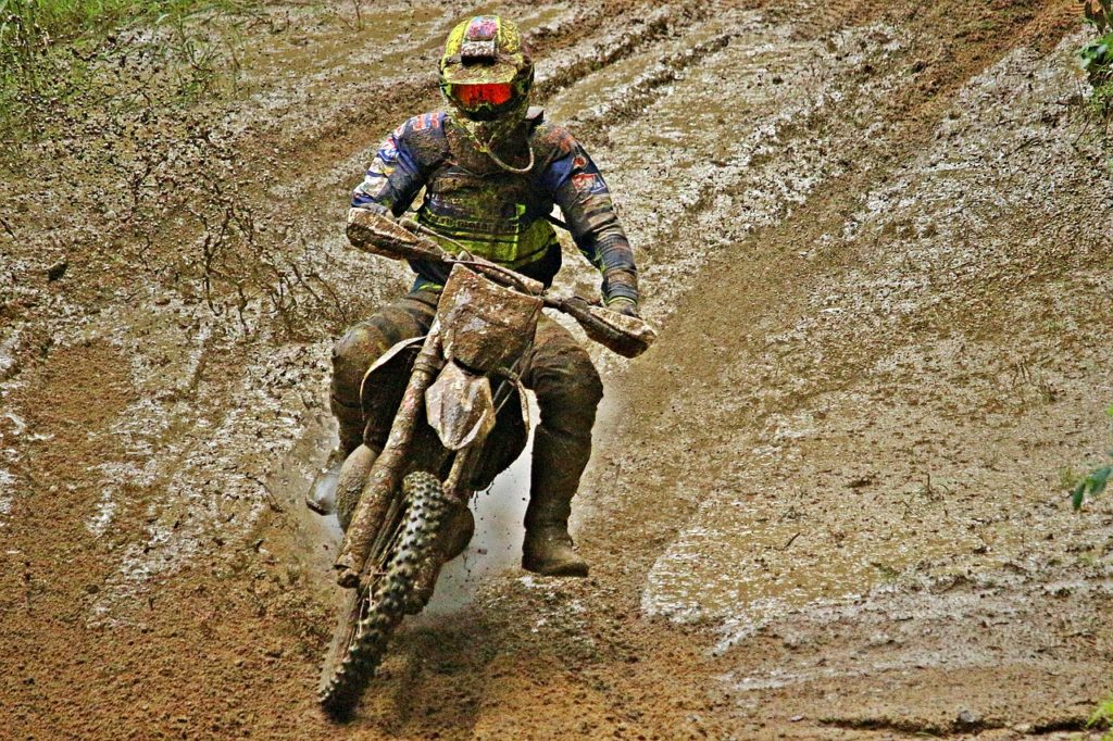 A Bogged down blog: Mud Slinging off the tires